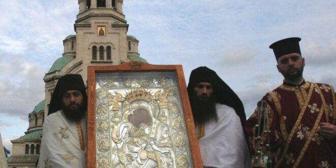 """Чудотворната икона на """"Пресвета Богородица – Достойно есть"""" ще бъде в Поморие от 7 до 11 юни"""