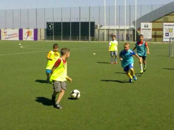 Сформират две групи по футбол за деца в Ахелой