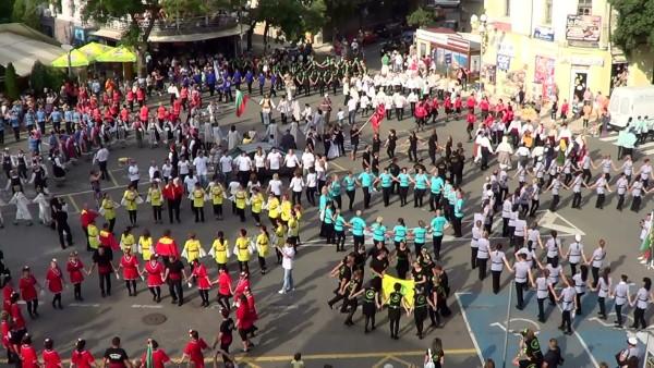 """На 14 юни започва Десетият Фестивал за народни танци """"Хоро край поморийския бряг"""""""