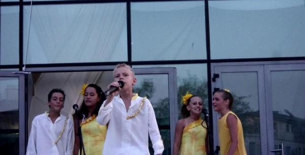 """ДВГ """"Слънчев ритъм""""-Поморие  в подкрепа на филма """"Василъ Лѣвскій"""" с концерт в Бургас"""