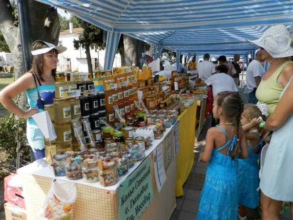 Завърши фестивалът на меда в Поморие