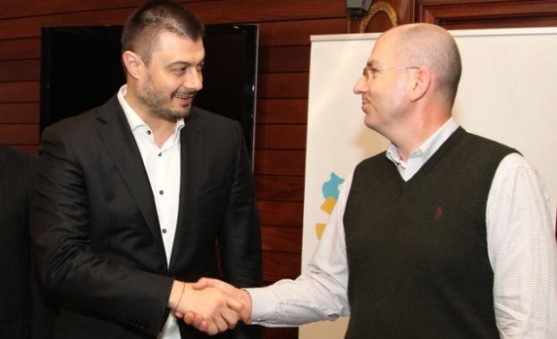Бареков осигурява кворум в НС с бивши депутати на ГЕРБ и БСП