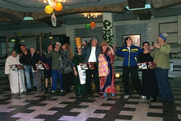 Наградените участници в Дамаджан вечеринката