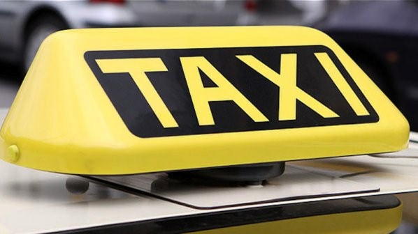 Таксиметров шофьор обира туристи в Слънчев бряг
