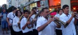 Фестивал на духовите оркестри и мажоретни състави в Поморие /видео/
