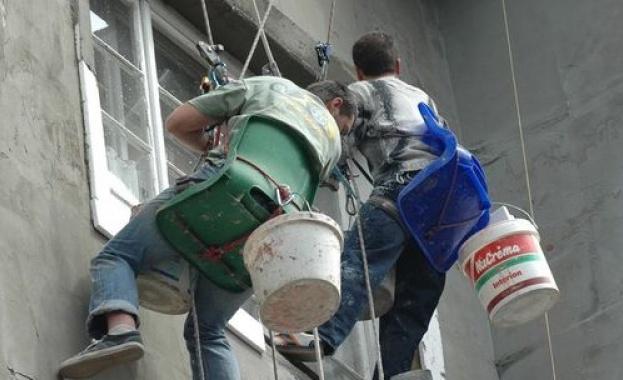 Започва санирането в сградите на ул. Морска № 14-16-18, ул. Солна №13, кв. Свобода №30 в Поморие