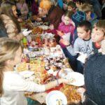 """Приключи благотворителният базар  в СОУ """"Иван Вазов"""" гр. Поморие"""