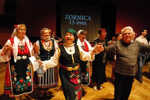Фолклор от  Поморие предизвика фурор в Унгария