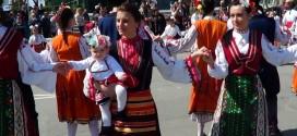 Поморие пее и танцува на Великден (видео)