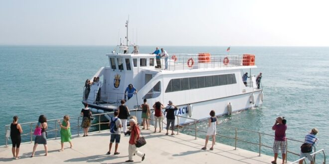 Община Бургас се оборудва с най-модерна техника за следене на чистотата в Черно море