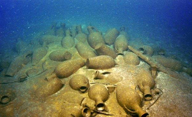 Представиха колекцията от намерените амфори и други артефакти, извадени от  Черно море