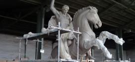 В процес на изработване! Вижте скулптурата на Св. Георги Победоносец в Поморие (видео)
