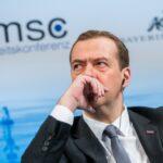 Медведев: Започна нова Студена война