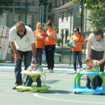 Бебета маратонци и мотористи с проходилки в семеен спортен празник