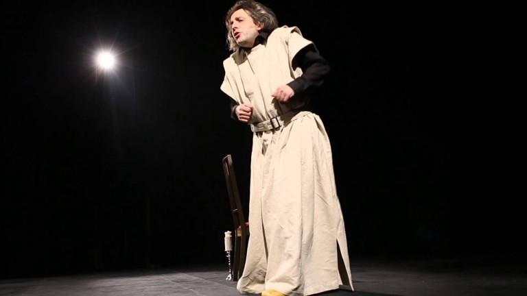 """Гледайте  моноспектакъла на Мариус Куркински """"Юбилей"""" на 9 септември в Поморие"""