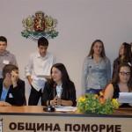 """Учениците от СУ """"Иван Вазов""""- Поморие управляваха един ден"""