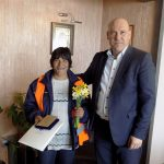 Наградена от кмета е  жената, която намери пари на улицата и ги върна