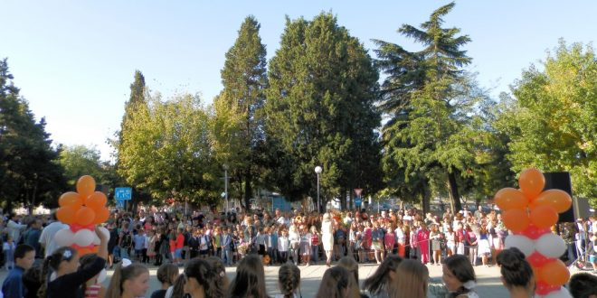 228 са записаните първокласници в община Поморие за новата учебна година