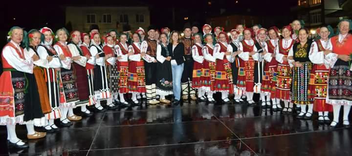 """Бурни аплодисменти за хороигралците от Клуб """"Чайка"""" на Международния фестивал """"Фолклорни пътеки"""""""