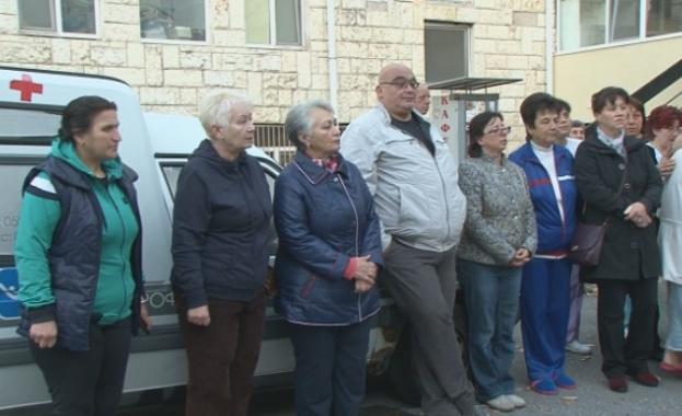 Общинските болници излизат на протест