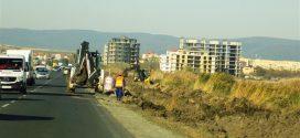 Ремонтните дейности затрудняват движението в района на Ахелой