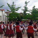 Ученици представиха красотата на българските танци в Поморие