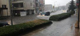 Средиземноморският циклон засегна и Поморие (видео и снимки)