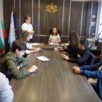 Ученици от Каблешково управляваха Община Поморие за един ден
