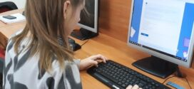 До 2027 г. цялото учебно съдържание ще стане безплатно онлайн