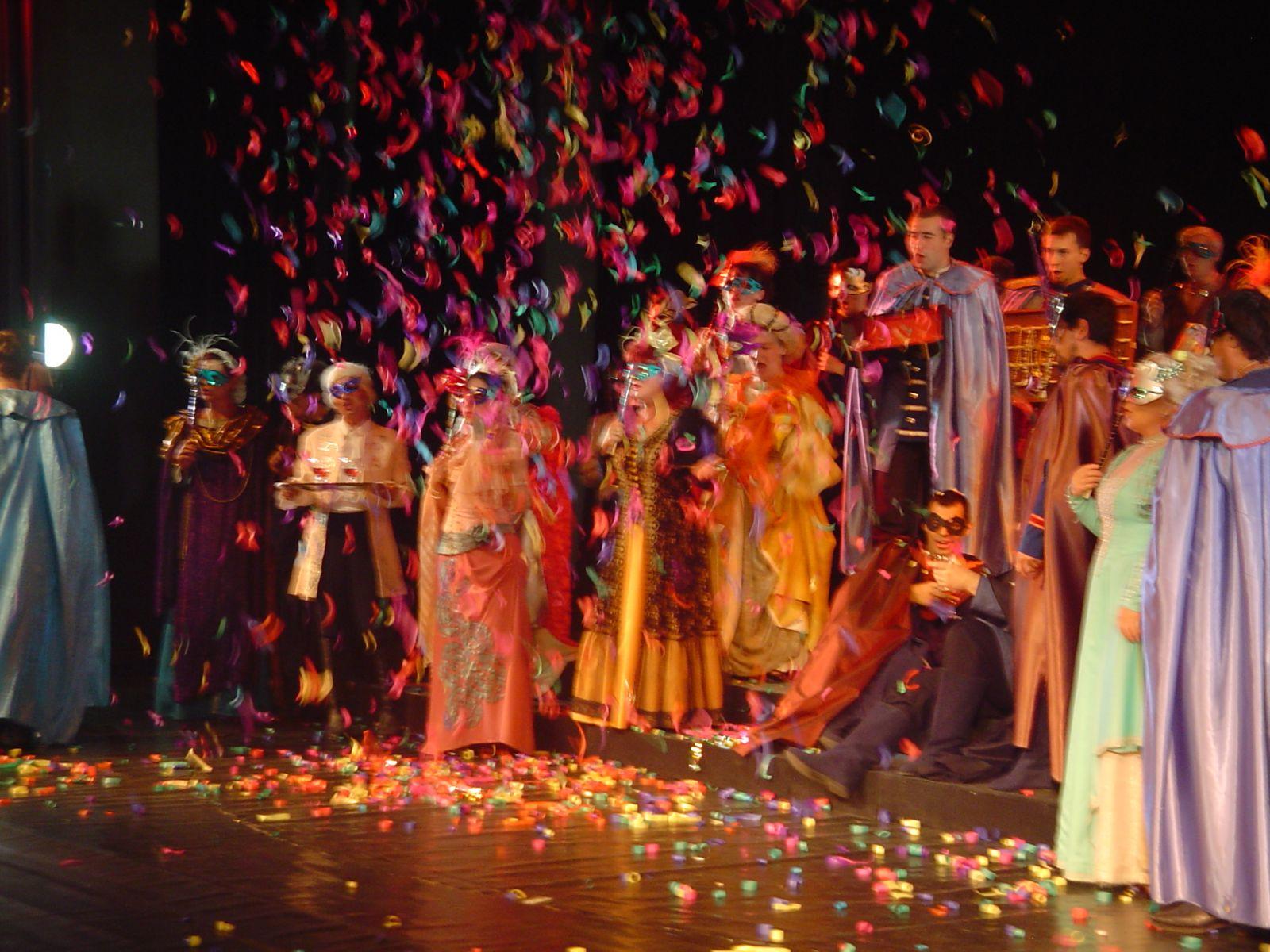 """С """"Бал с маски"""" се открива фестивалът """"Емил Чакъров"""" в Бургас"""