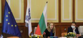 Марияна Николова: Обмислят се три варианта за облекчено влизане на туристите