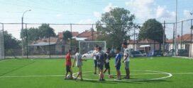 Обновено е футболното игрище в Каблешково