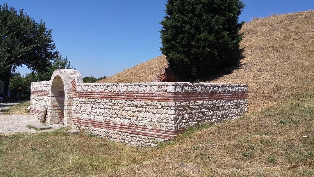 anticna-kupolna-grobnica