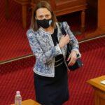 """Ива Рупчева от """"Има такъв народ"""" е избрана за председател на парламента"""