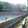 """Новият плувен комплекс в Морската градина на Бургас ще бъде готов до края на годината. С това обещание се ангажираха изпълнителите на проекта от местната фирма """"Спа дизайн"""". Днес обектът..."""