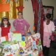 """По инициатива на учениците от ІV клас от 13 до 17. 12. 2010г. в СОУ""""Иван Вазов""""се проведе Благотворителен Коледен базар """"Детска звезда"""". Децата сами избраха името на базара – не..."""