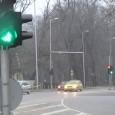 """От петък шофирането с включени светлини и през светлата част на денонощието става задължително. В новия брой на""""Държавен вестник"""", който излиза на 7.08., ще бъдат публикувани промените, според които всички..."""