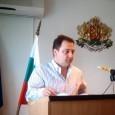 На заседанието на Общински съвет Поморие съветникът Илия Джингов внесе три докладни записки. Първата, относно приемане на схеми за разполагане на преместваеми обекти беше конкретно за търговска зона обхващаща терени...