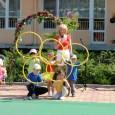 """В истинска детска олимпиада се превърна спортния празник на ОДЗ """"Детелина""""в Поморие. Той започна с пренасянето и запалването на Олимпийския огън. В присъствието на много родители, децата показаха умения по..."""