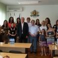 На 11.06. в заседателната зала на Общинския съвет кметът Иван Алексиев награди женския ханбален отбор за влизането си в А републиканска хандбална група, съобщават от общината. На всяка една от...
