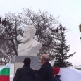 """""""Сбъдват се мечтите на поколения граждани на Поморие, които искаха да развеят националния флаг, да положат венци и цветя пред паметник на български национален герой. Това вече е възможно и..."""