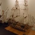"""Умалени копия на 100000 т. танкер """"Хан Аспарух"""", и прочутите плавателни съдове """"Титаник"""", """"Мария Луиза"""", и """"Верила"""", са само част от изключително интригуващите експонати, включени в изложбата """"Макети на кораби""""...."""