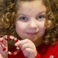7-годишно момиченце от американския щат Канзас помага на родителите си да съберат пари, с които да осиновят две българчета от сиропиталище. 7-годишната Оливия Хийстън прави пъстри гривни от мъниста, които...