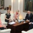 Министър-председателят Бойко Борисов се срещна днес в Министерския съвет с Нейно Царско Височество Калина, Княгиня Българска и Херцогиня Саксонска и съпругът й Антонио Хосе Китин Муньос и Валкарсел, съобщава правителствената...