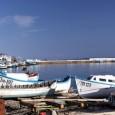 Кметът на Поморие Иван Алексиев и областният управител Константин Гребенаров подписват договора за безвъзмездното предоставяне на предназанчения терен от 706 кв.м. за бъдещото рибарско пристанище в морския град. Церемонията по...